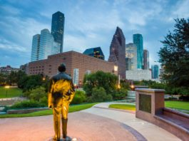 Edgy Labs will be exploring why Houston is positioned for Next-gen growth in our three-part collaboration with award-winning entrepreneur Tri Nguyen.