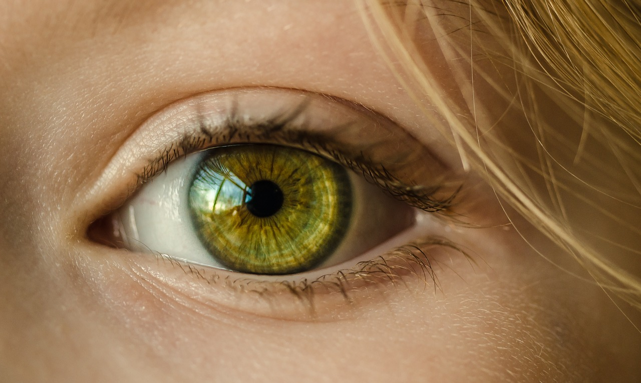 The Future of AR: Video Recording Contact Lenses