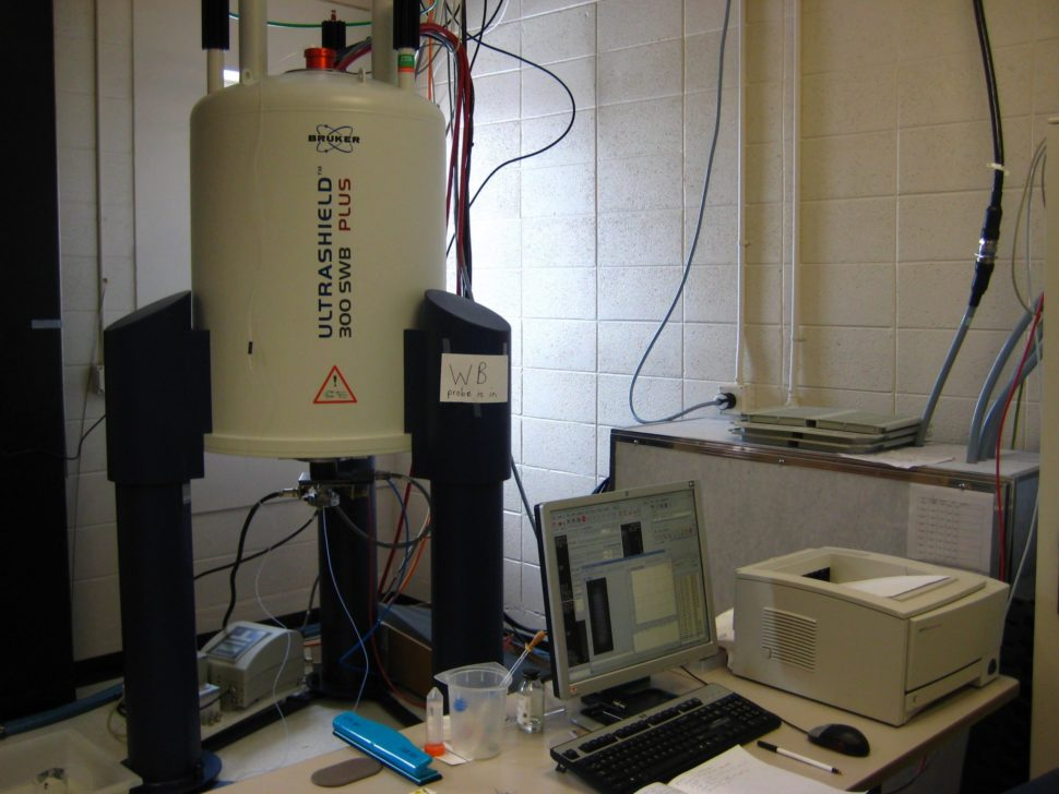 Montana State University's Bruker AVANCE300 Magnetic Resonance Microscope | Montana.edu