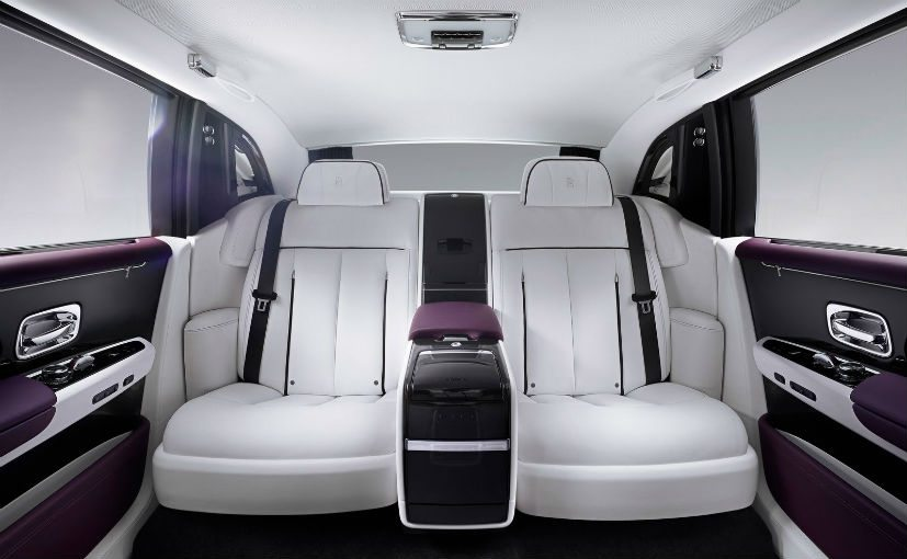 Phantom rear seat with fixed center console. | CC Rolls-Royce