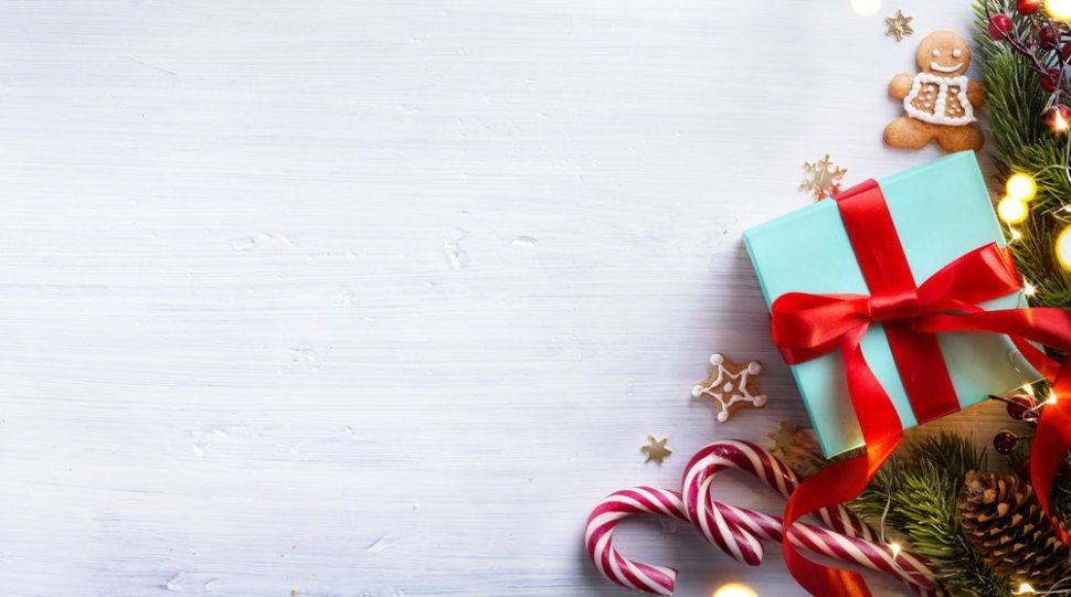 What all does a content creator need to create a successful seasonal marketing campaign? Find out here. | Konstanttin | Shutterstock.com