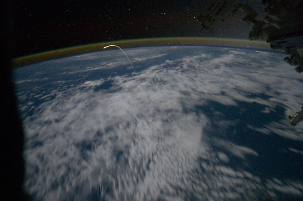 Space Shuttle Atlantis entering Earth's atmosphere | NASA/ISS