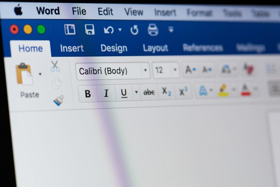Whether it's Word or GDocs, we've got your paste style options covered. | PixieMe | Shutterstock.com