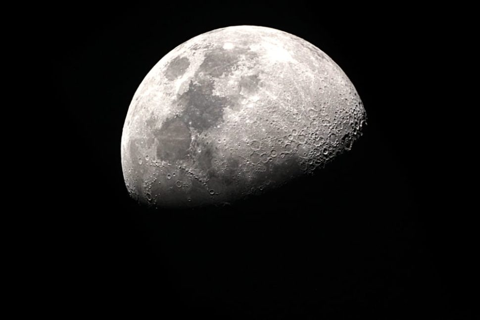 Researchers have definitively proved the presence of ice on the Moon. | Image By taffpixture | Shutterstock