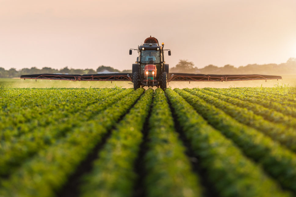 New fertilizing methods could aid in the growing crisis of food shortages and land infertility. | Image By Fotokostic | Shutterstock