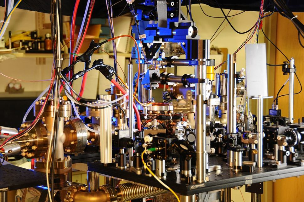 NIST's ultra-stable ytterbium lattice atomic clock | National Institute of Standards and Technology | Wikimedia Commons