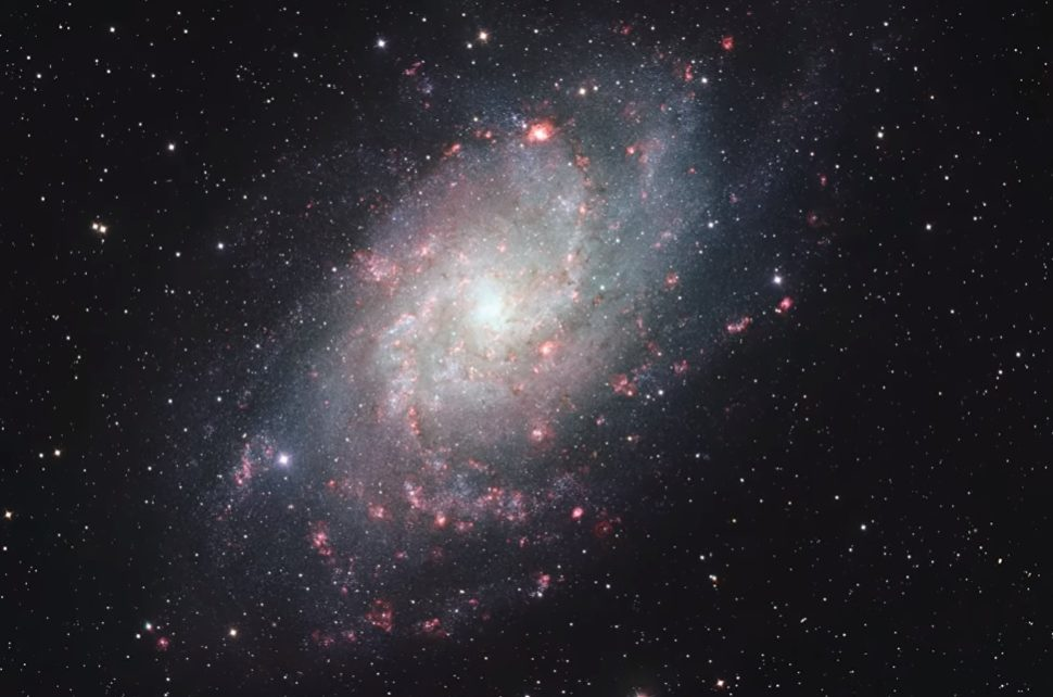 Hubble Captures 665-Megapixel Photo of the Triangulum Galaxy | HubbleSite.Org