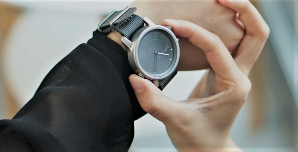 Solar Powered Watches are set to become one of the biggest tech developments of 2019. | Image via LunaR
