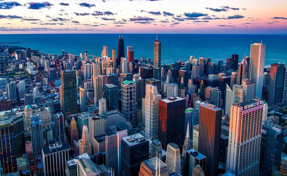 Chicago, America's third largest city, has pledged to go fully green by 2040. ¦ 12019 / Pixabay
