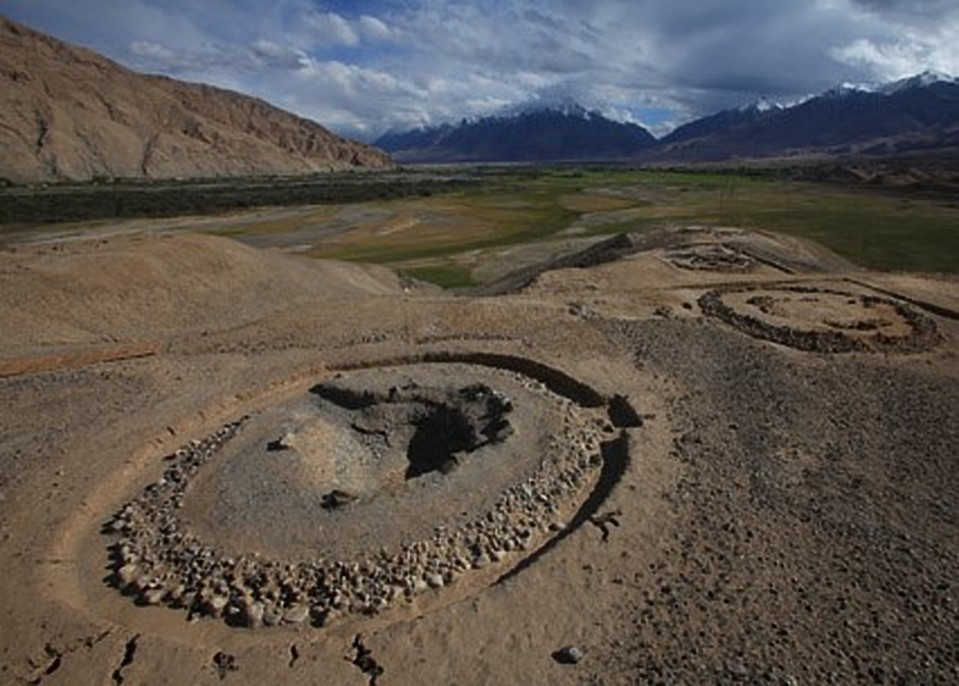 Circular burial mounds with stone rings | Image courtesy of X. Wu (Institute of Archaeology, Chinese Academy of Social Sciences)